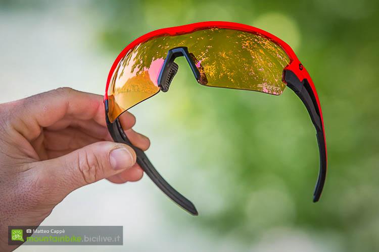 foto degli occhiali scott spur visti frontalmente