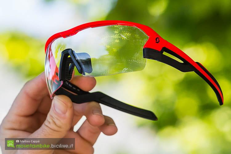 foto degli occhiali scott spur visti frontalmente con lenti clear