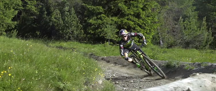Fontana durante un allenamento in mountain bike