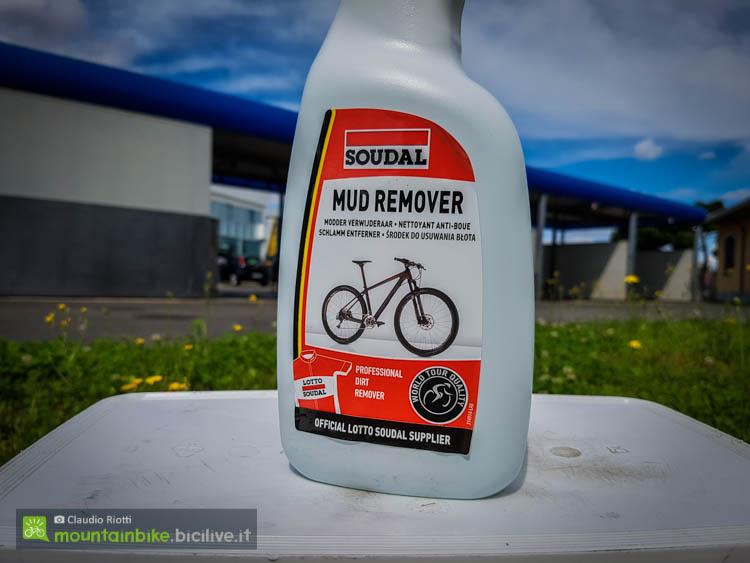 foto del detergente per il fango Mud Cleaner, flacone da 1 litro.