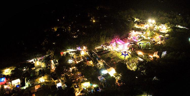foto notturna del paddock della 24h di finale ligure