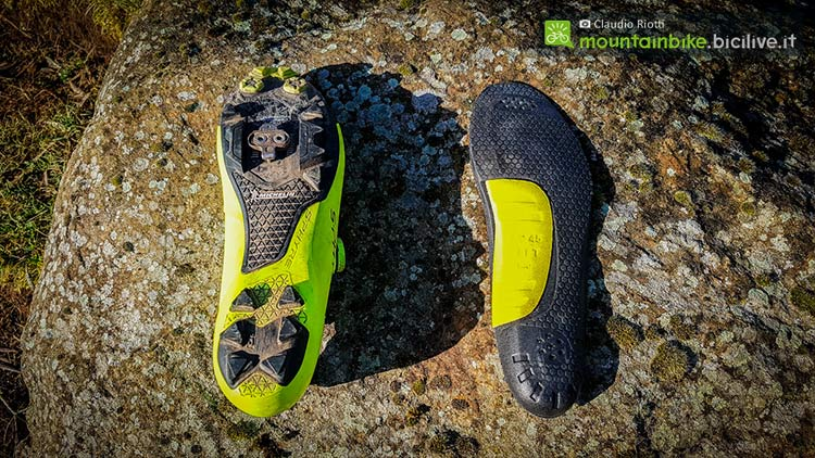 foto delle Shimano Xc9, scarpe mtb spd