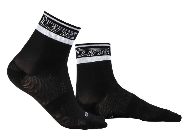 Carbon-Socks di Tune