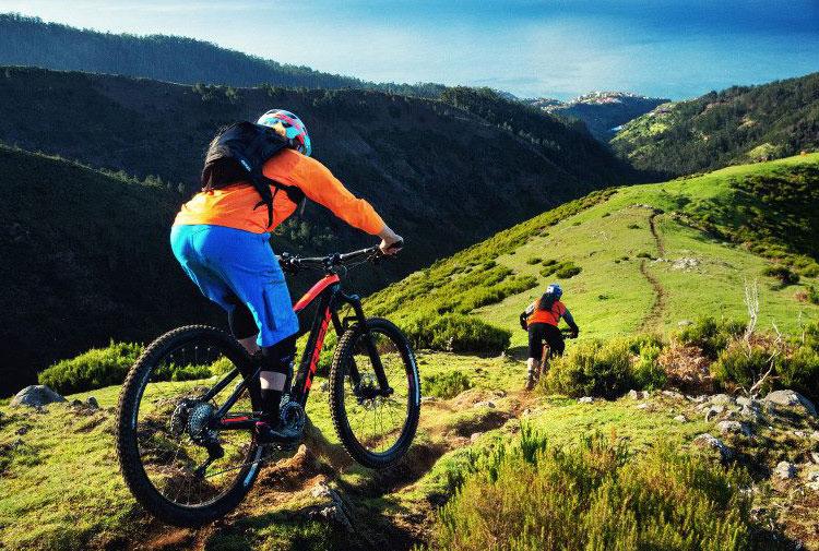 biker con trek fuel ex 9.8