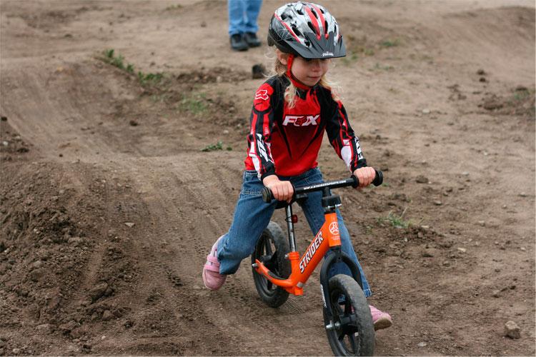 biker con strider al monte cimone