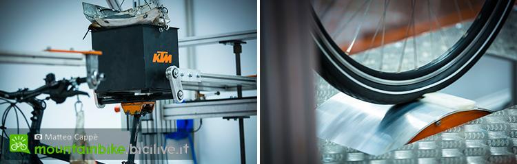foto dei macchinari per testare le bici ktm