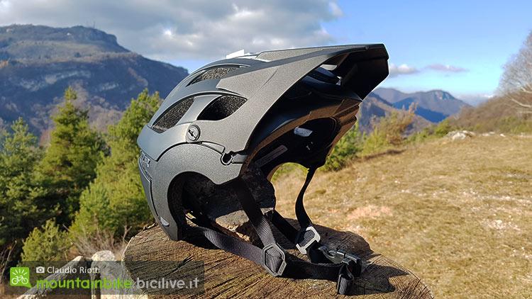 foto del casco lazer revolution
