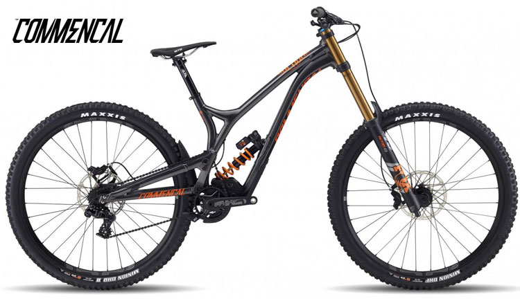 """Una mountain bike Commencal Supreme DH 29"""" 2018"""