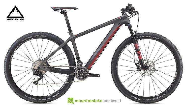 """La bicicletta SLM 29"""" 2.1 di Fuji"""