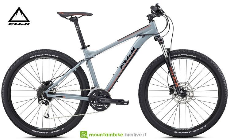 """Una mountain bike Fuji 2018 Nevada 27,5"""" 1.3"""