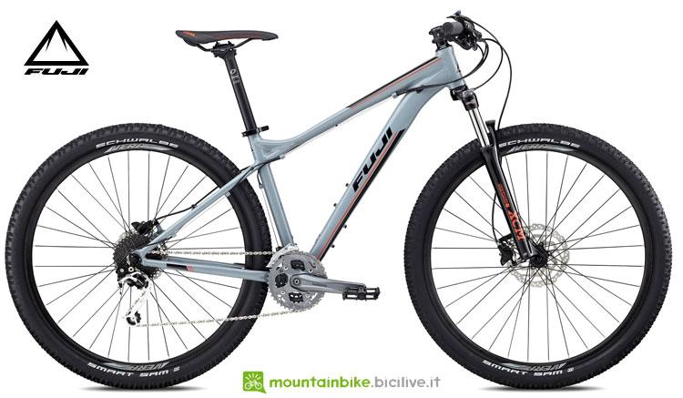 "Una bicicletta Fuji 2018 Nevada 29"" 1.3"