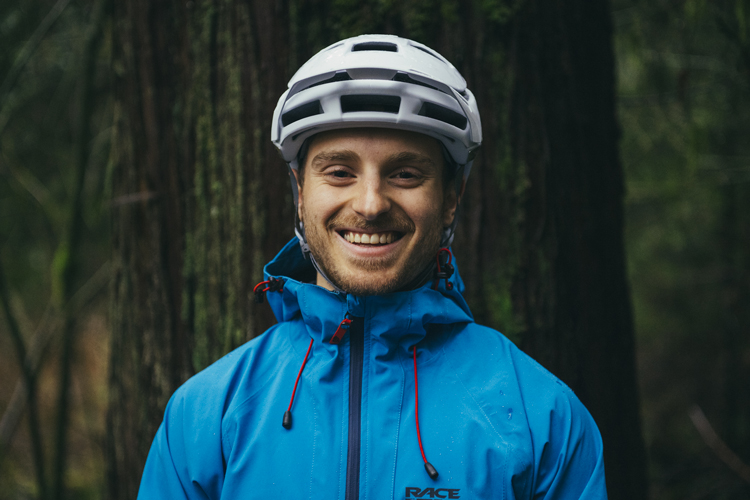 Jesse Melamed del Rocky Mountain Race Face Enduro Team sorride