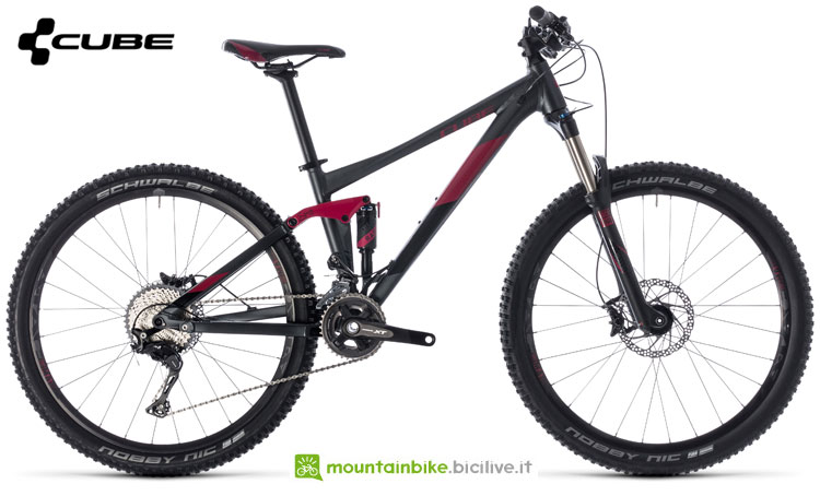 Una mountain bike full suspended Cube Sting WS 120 HPA Pro