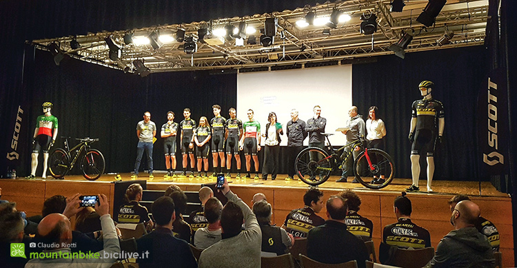 foto della presentazione dello Scott Racing Team 2018 all'Auditorium di Albino (BG).