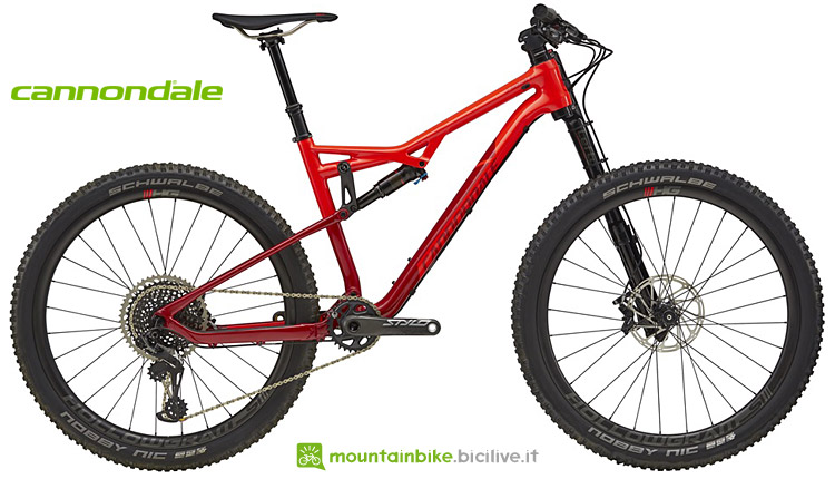 """La mtb in carbonio da trail Cannondale Habit 1 con ruote da 27,5"""" e 130 mm di escursione"""