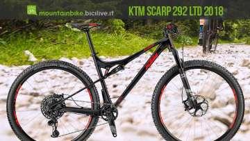 KTM Scarp 292 12 LTD con un percorso da XC sullo sfondo