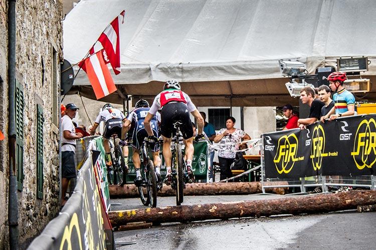foto della  gara di XCE per mtb e bici da ciclocross
