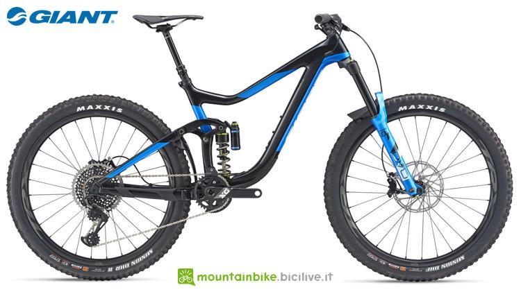 Una mountain bike Giant Reign Advanced 0