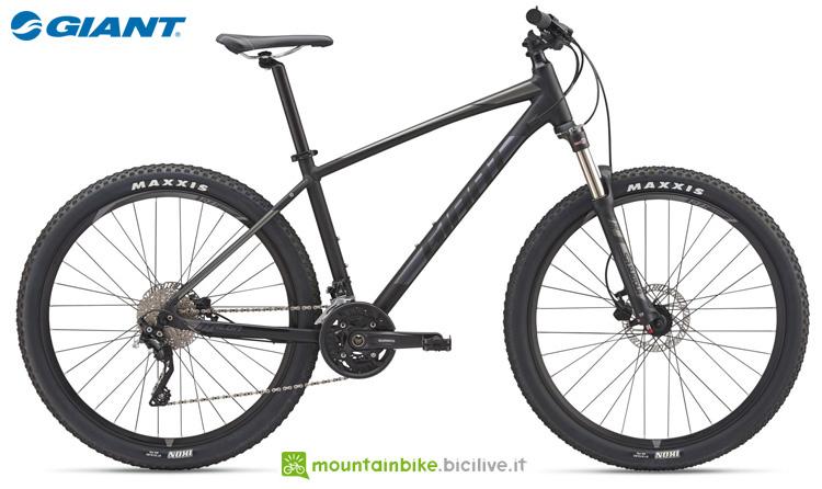 Una bicicletta offroad Giant Talon 1 (GE)