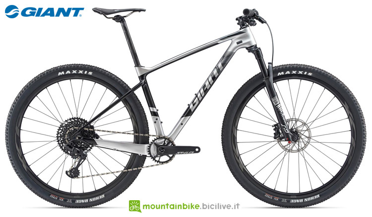 Una bicicletta Giant XTC Advanced 29er 1