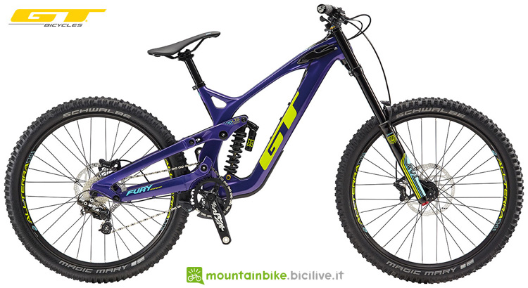 Una mountain bike full suspended GT Fury Expert dal catalogo 2019
