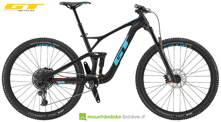 Una mtb in carbonio full suspended GT Sensor Carbon Elite 2019