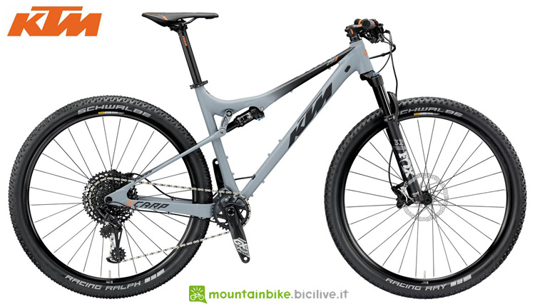 Una bicicletta da cross country KTM SCARP SCARP 293 12