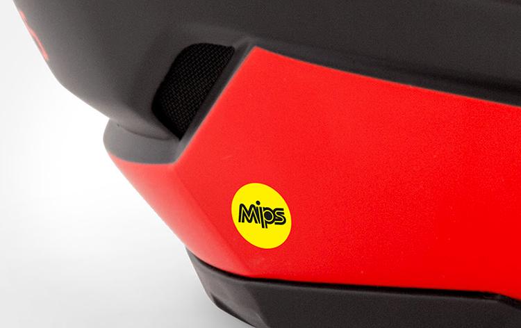 Il casco Bluegrass Legit Carbon adotta il rivestimento Mips