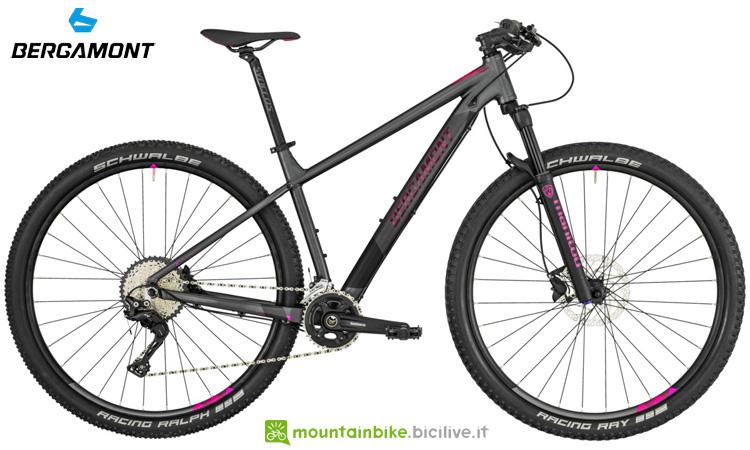 Una mountain bike da donna Bergamont Revox 7 FMN