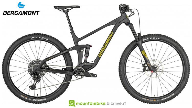 Una mountain bike biammortizzata Bergamont Trailster 8 2019