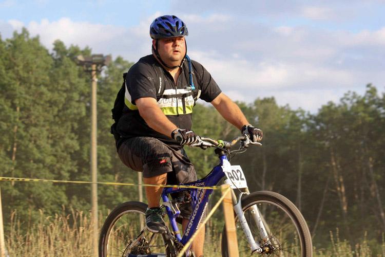 ciclista migliora se stesso durante una gara