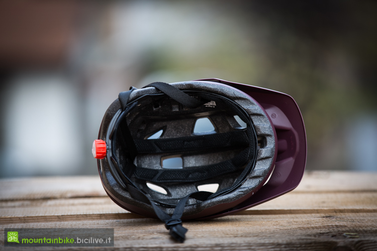 foto delle imbottiture del casco met