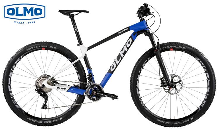 Una mountain bike front Olmo Bignone anno 2019 nella colorazione blu