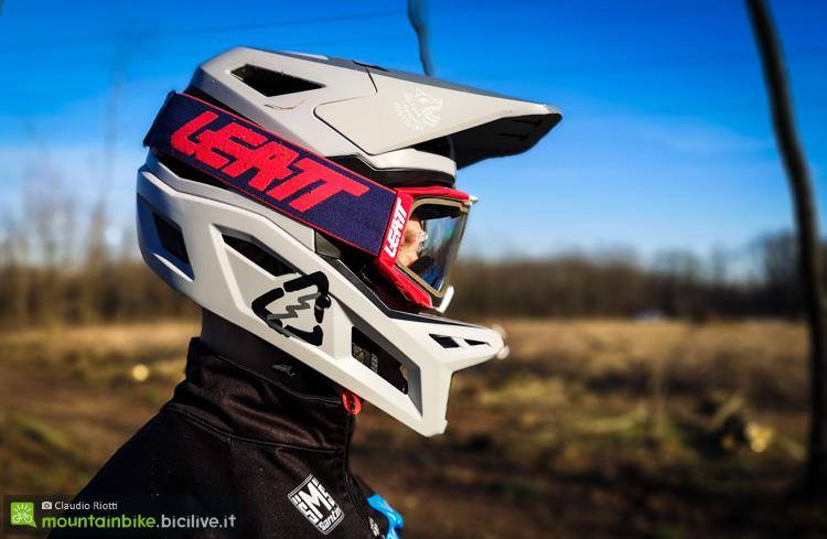 foto del casco enduro mtb Leatt dbx 4.0 di profilo