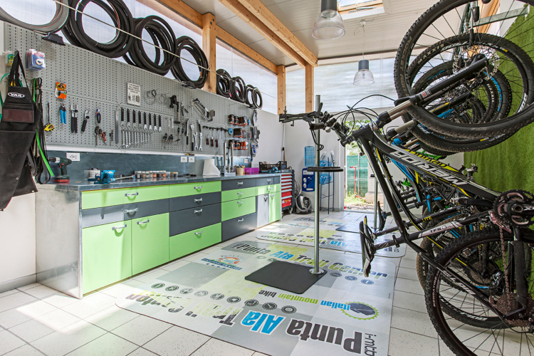 Officina meccanica Punta Ala Trail Center