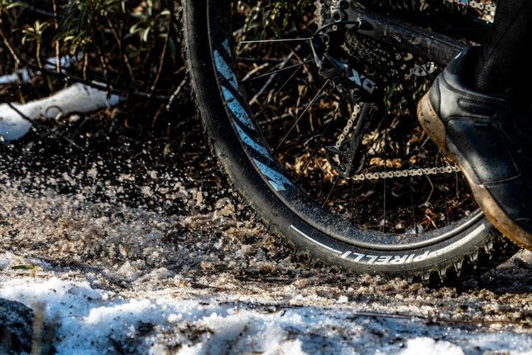 foto di una mtb con pneumatici pirelli scorpion