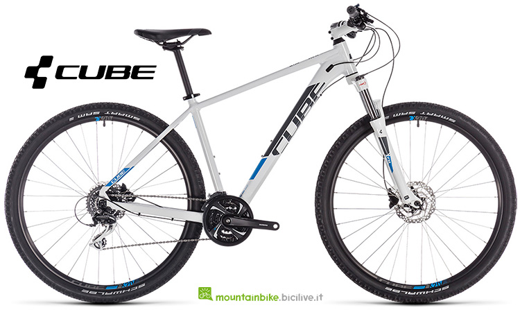 bicicletta Cube Aim Race white'n'blue anno 2019