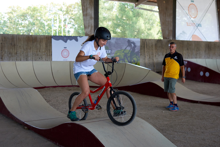 Lezione di bici all'Evolve Pump Track