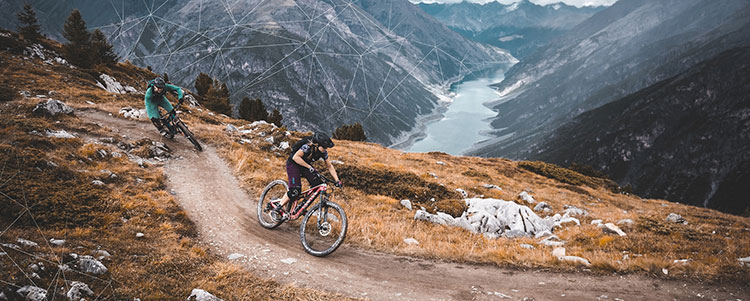 Ciclisti a bordo di Canyon dal catalogo 2019
