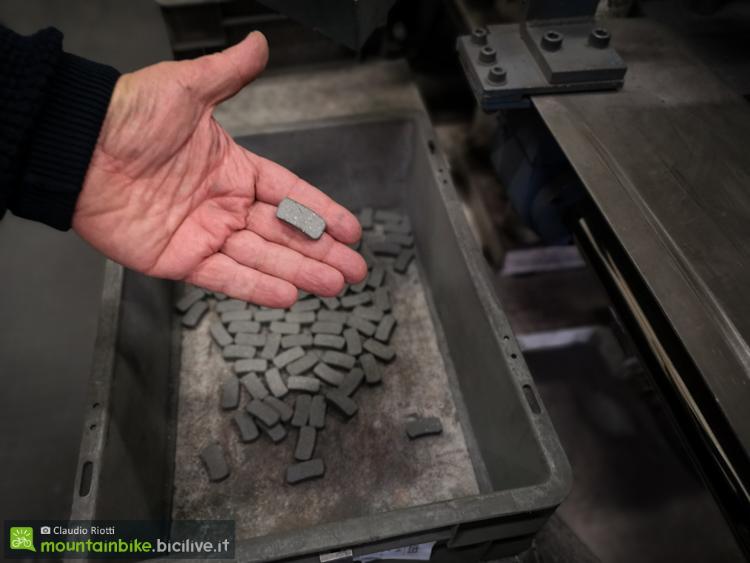 foto del processo di produzione delle pastiglie