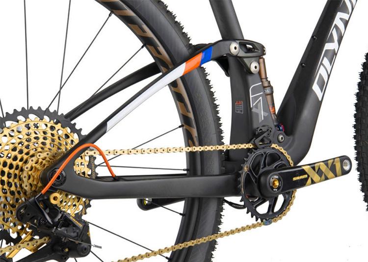 foto mtb olympia visuale dal basso su cambio bici 2019