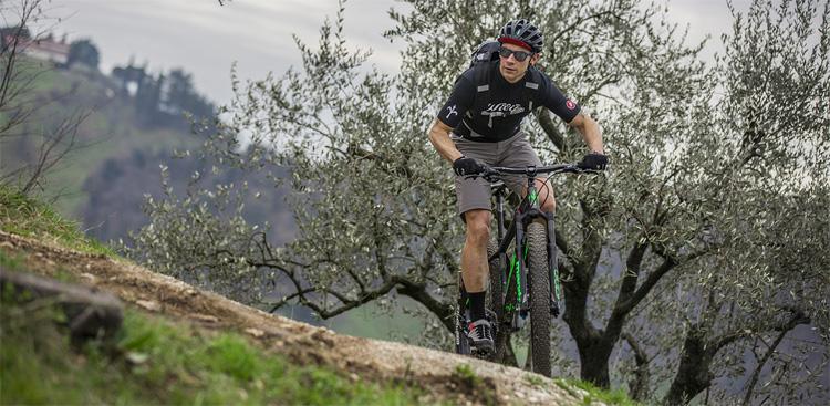 Sport Motocross MTB Racing Protezione Armatura Corpo Protezione Schiena Anti-Caduta Giacca Traspirante Cavaliere Speciale equipaggiamento Protettivo METTE Gilet Protettivo Moto