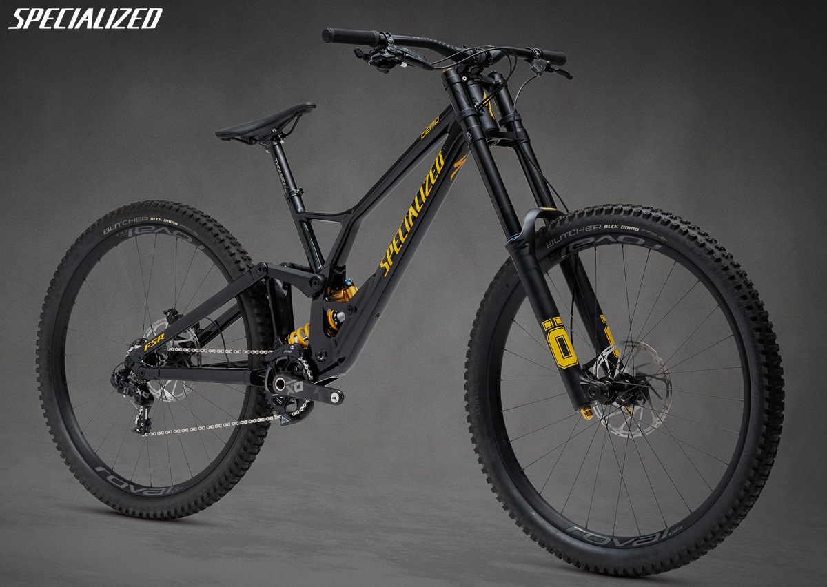 Una mountain bike biammortizzata Specialized Demo 29