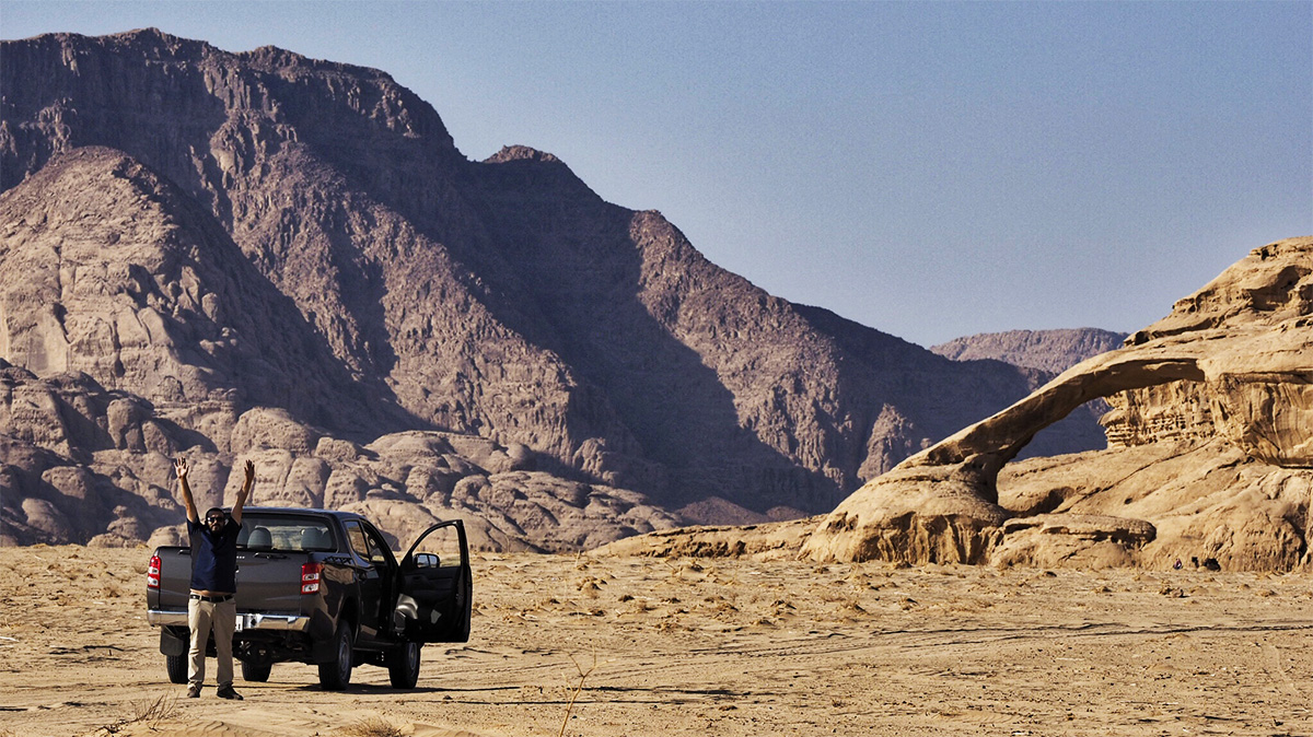 Guida Muhammed con l'auto 4X4 a Wadi Rum