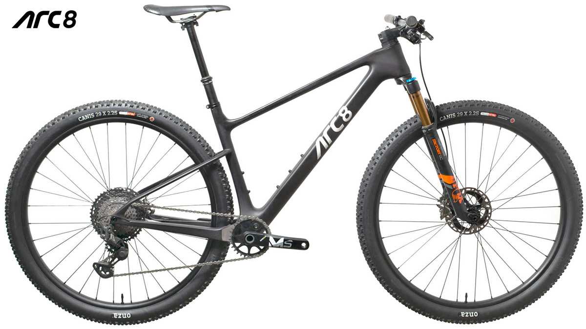Una mountain bike ARC8 Evolve 2020