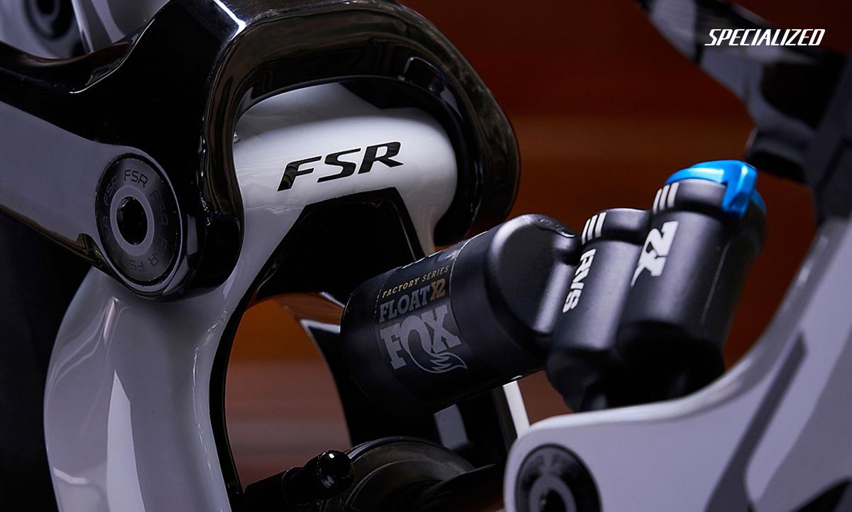 La Specialized Enduro 29 2020 con il sistema di sospensione FSR aggiornato