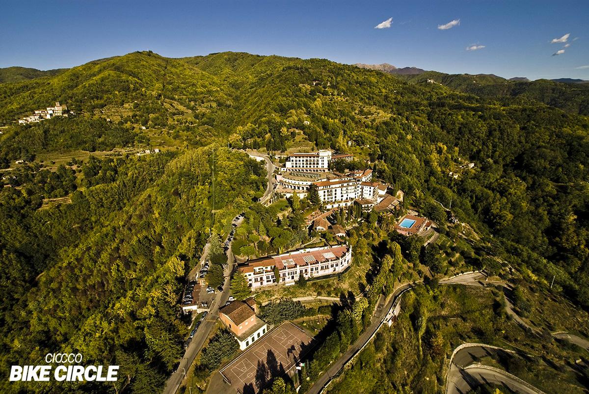 Una panoramica de Il Ciocco (Lucca) e di tutto il suo parco con le piste