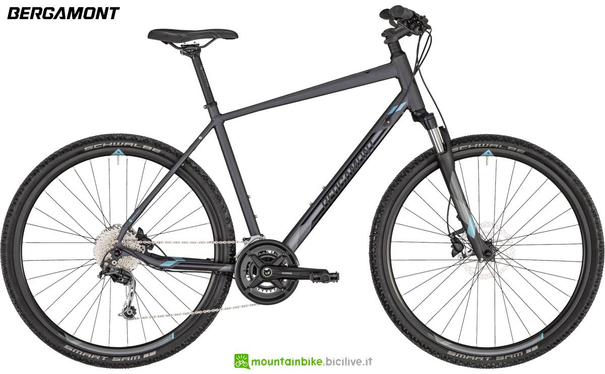 Una bici con telaio da uomo Bergamont Helix 5 Gent listino 2020