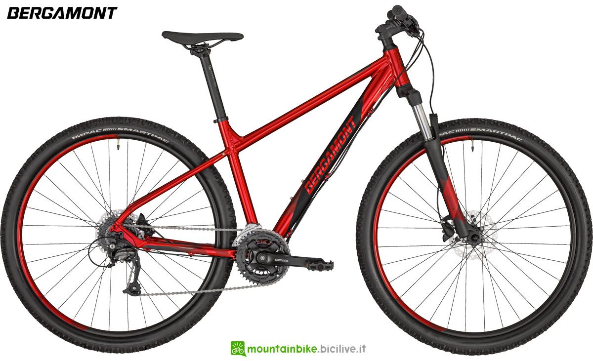 Una bicicletta da montagna Bergamont Revox 3