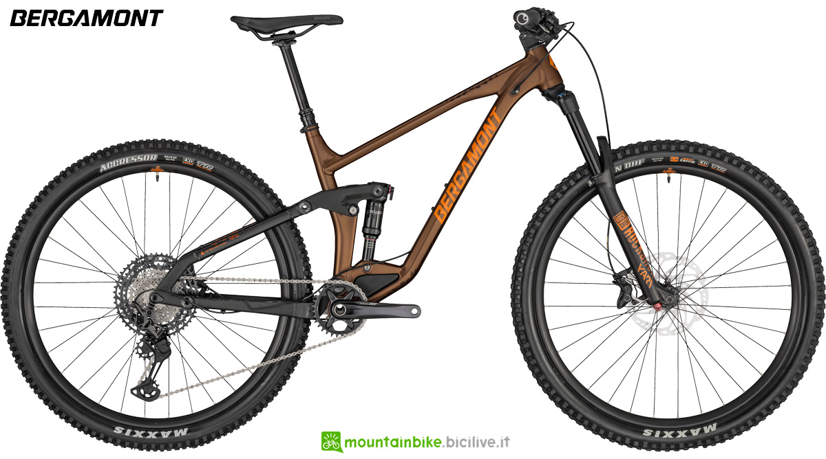 Una bici biammortizzata Bergamont Trailster 8 gamma 2020